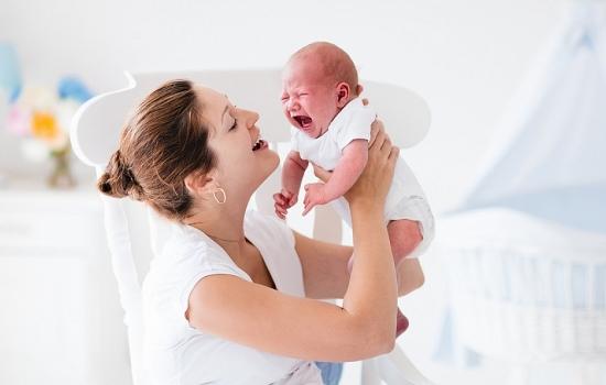 Почему родители не должны позволять своему ребенку долго кричать?