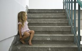 Как помочь ребенку справиться со смертью близкого