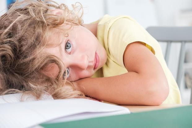 Как распознать дислексию и вовремя помочь ребенку: памятка для родителей