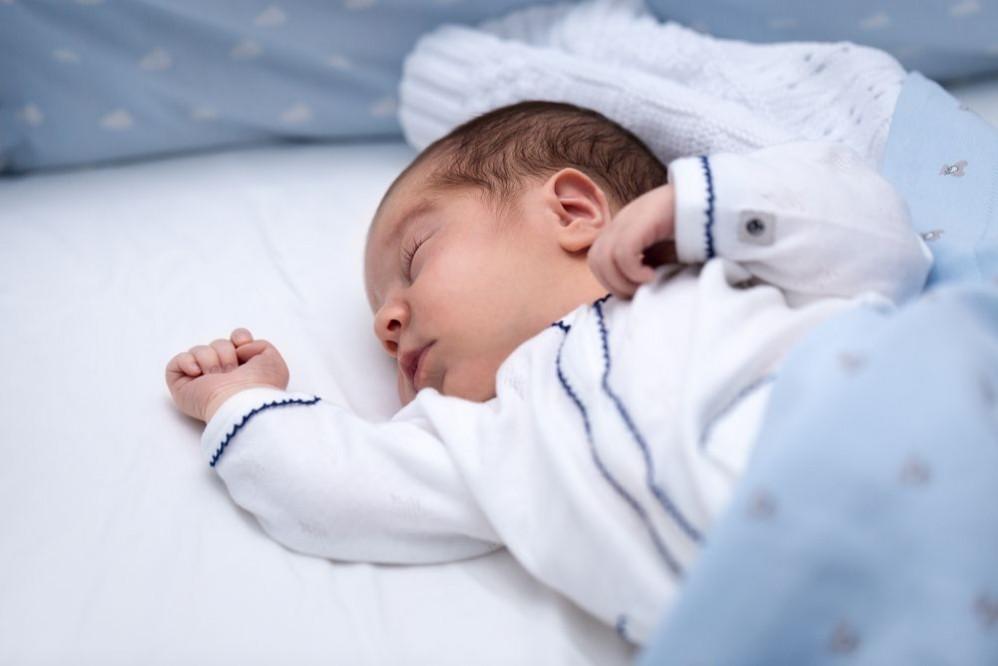 SPF для малышей: как выбрать детский крем для солнца